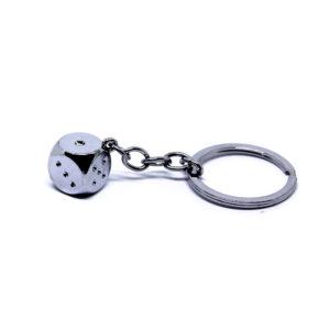 Nyckelring med tärning i silver