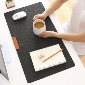 Skrivbordsunderlägg / Musmatta i filt 70 x 33 cm - Olika färger
