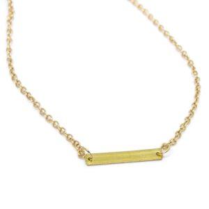 Halsband med rektangulär tag i guld