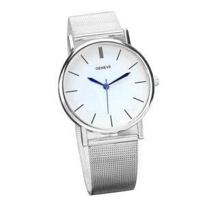 Enkel klocka i silver med mesh-armband i stål