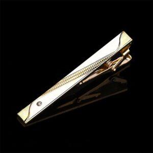 Stilfull slipsnål i silver och guld med fina detaljer