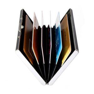 Korthållare i rostfritt stål och svarta läderdetaljer