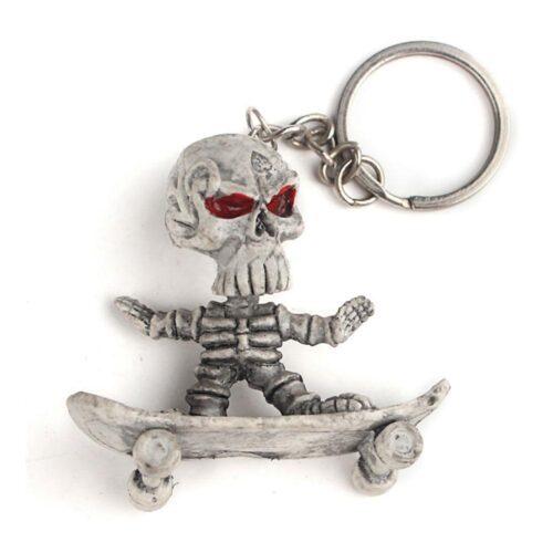 Nyckelring - Skelett på skateboard