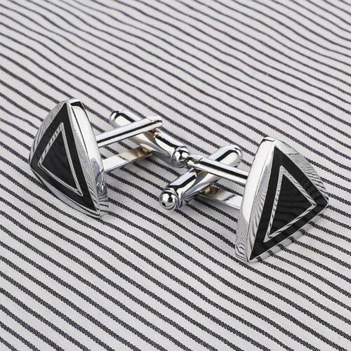 Manschettknappar - Eleganta triangelformade i silver och svart