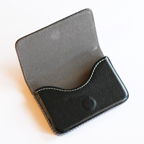 Korthållare / Etui i konstläder med lock - svart