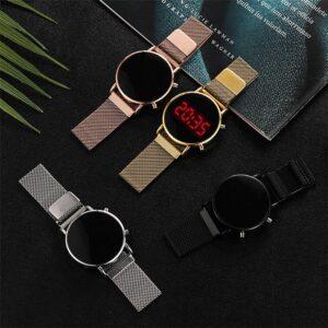 Klocka med mesharmband och digital display - Guld